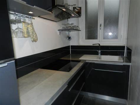 rev黎ement adh駸if pour plan de travail cuisine cuisine equipee pour surface maison design