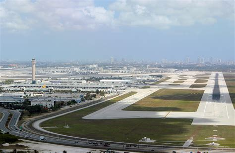 miami airport to images miami international airport pictures to pin on pinterest