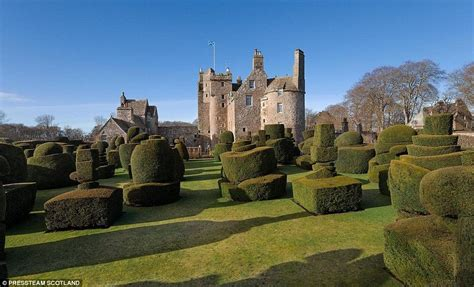earlshall castle in leuchars fife with 53 acres of grounds goes on sale for 163 5m daily mail online