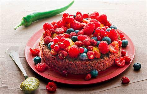 cucina con torta al cioccolato ricetta torta al cioccolato peperoncino e frutti