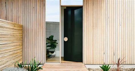 Oversized Front Door Front Door Design Idea Use An Oversized Circular Door Handle For A Unique Look Contemporist