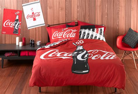 coca cola decorations d 233 coration chambre coca cola