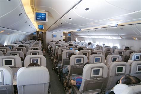 Japan Airlines Cabin by File Japan Airlines 777 200er Economy Cabin Jpg