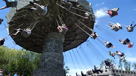 swinging adventures monkey swinger chessington world of adventures youtube