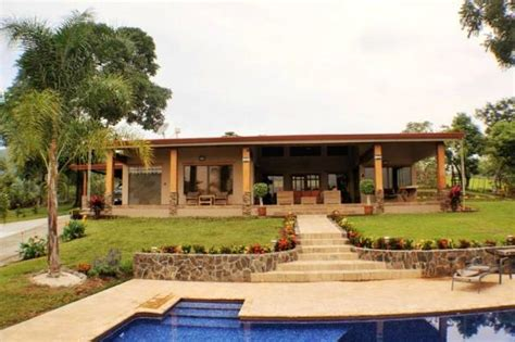 costa rica home for sale with a guest house in the central