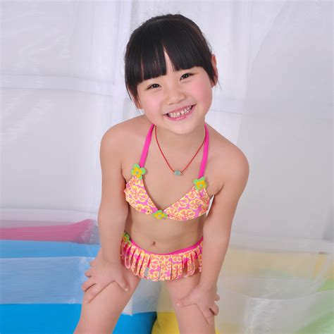 vogues underage models banned under new policy that addresses age nn use preteen teen girl japanese pre teen kissing