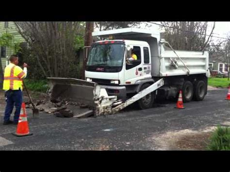 Emco Blox Vehicle Dump Truck china addforce lt3500 mobile self loading concrete mix