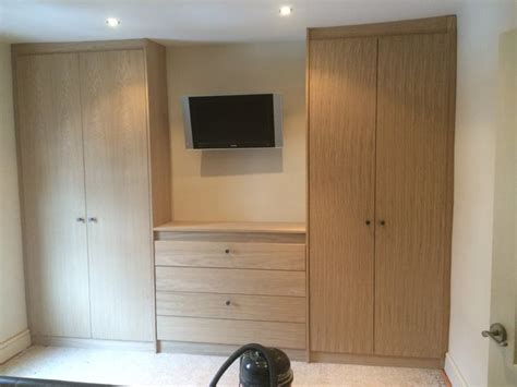 Bespoke Fitted Bedroom Furniture Fitted Solid Oak Wardrobes Drawers In Gloucestershire Pro Carpentry Joinery