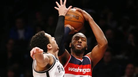 john wall bench press wizards beat nets for fourth straight victory article tsn