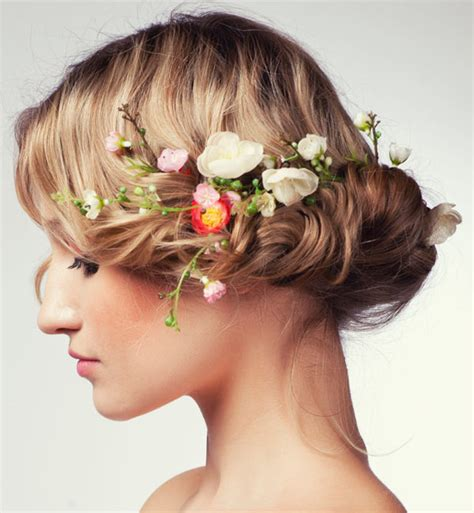 Wedding Hairstyles With Flowers by Unique Wedding Hairstyles With Flowers