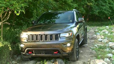 trailhawk jeep green 2017 jeep grand cherokee trailhawk off roading youtube