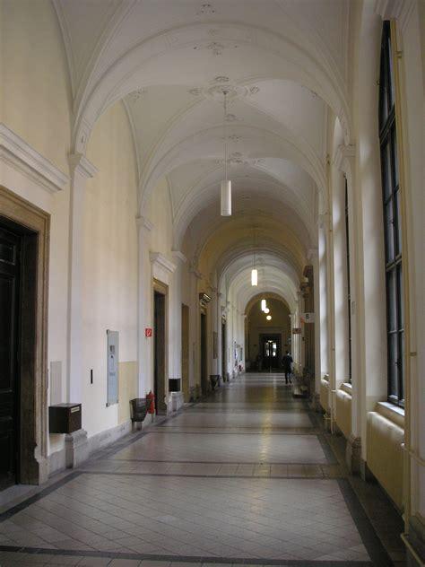 in a hallway file uni wien hallway vienna jpg
