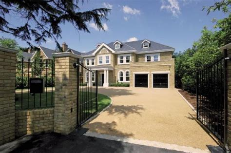 6 bedroom houses 6 bedroom detached house for sale in burntwood avenue