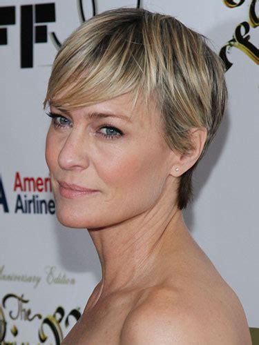 how to cut robin wright haircut how to wear a short hairstyle after 40 prime beauty blog