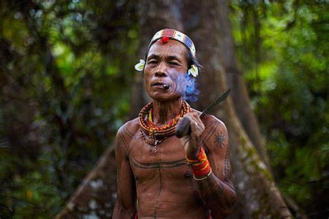 tattoo suku mentawai mentawai shamen mentawai islands indonesia faces of