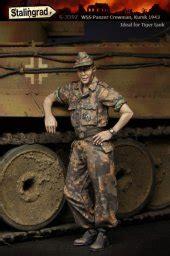 Resin Figures 135 Wss Panzer Commander Kursk 1943 news from stalingrad planetfigure miniatures