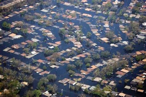 flood: New Orleans after Hurricane Katrina, 2005    Kids