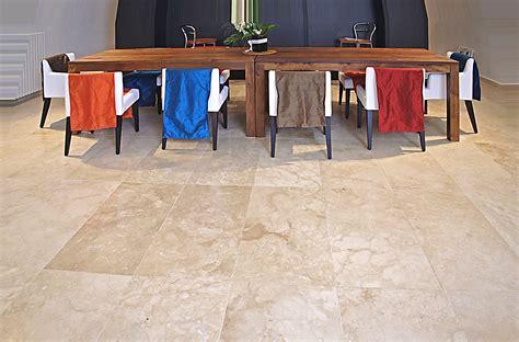 piastrelle soggiorno piatto doccia in pietra