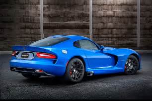 2015 dodge viper srt gts rear three quarter photo 2