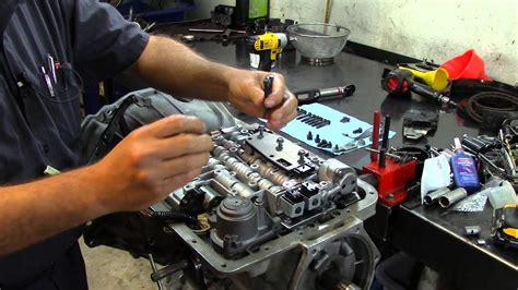 transmission control 2006 gmc sierra 2500hd electronic valve timing 4l60e transmission valve body installation youtube