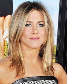shoulder length hair with layers at bottom jennifer aniston s hair secrets 08 hairstyles easy