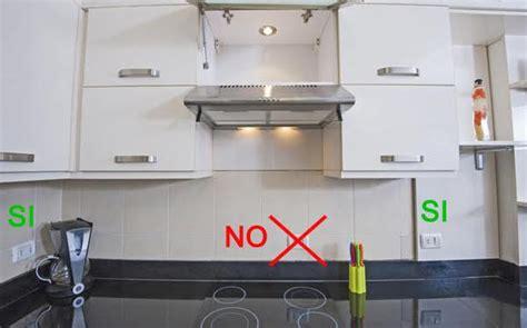 Dove Mettere La Lavastoviglie In Cucina by Prese Elettriche Su Piani Di Lavoro In Cucina