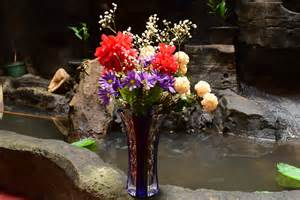 How To Arrange Flowers In A Vase How To Arrange Flowers In A Large Vase 7 Steps With