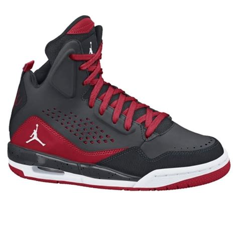 top youth basketball shoes 38 best images about sport s on boys nike