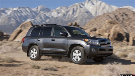 2013 Toyota Land Cruiser 2013 Toyota Land Cruiser 200 Pictures Information And