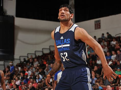 Kaos Nbalg Dallas Mavericks Tx satnam singh scores his pro for legends