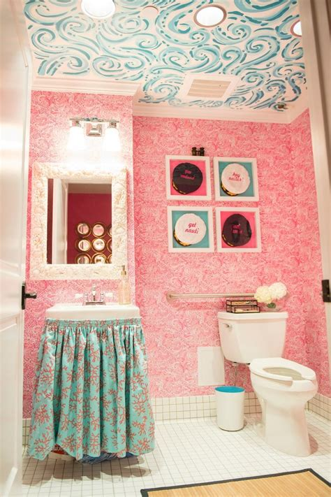 lilly pulitzer bathroom let s be preppy lilly lovin with natalie franke