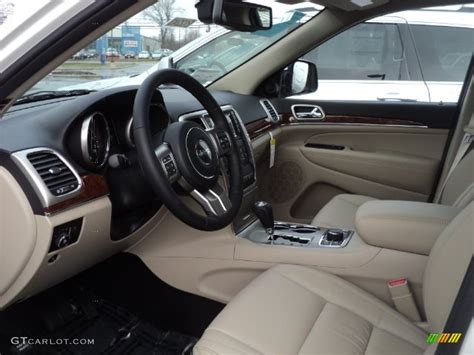 jeep grand cherokee interior 2012 2012 jeep grand cherokee limited 4x4 interior photo