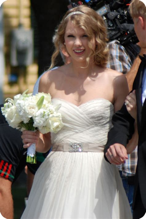 taylor swift white dress at wedding 301 moved permanently
