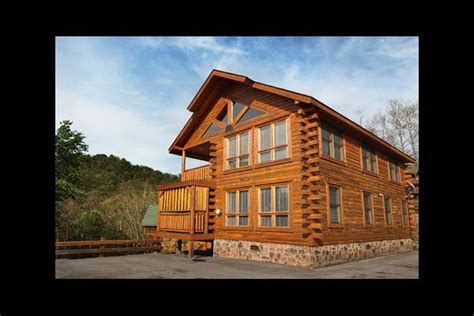 2 bedroom cabins in pigeon forge pigeon forge vacation rentals cabin da crawfish