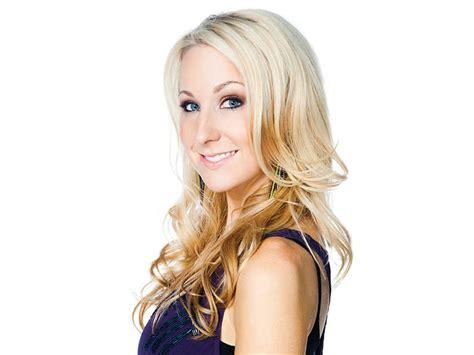 hot blonde stand up comedian 25 best ideas about nikki glaser on pinterest motion