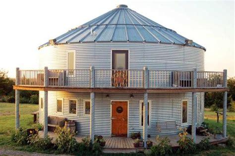 build  grain bin house