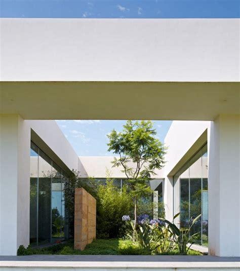 jardines interiores modernos  fotos  consejos de diseno