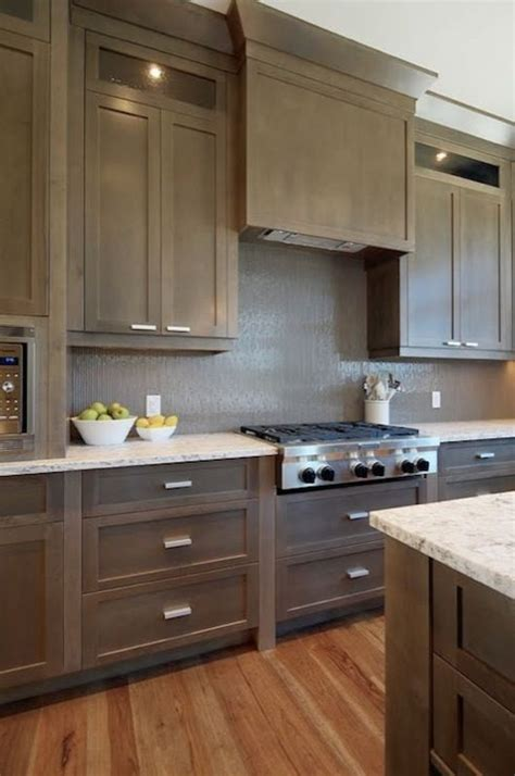 Shaker Kitchen Colour Schemes by 25 Best Ideas About Taupe Kitchen Cabinets On