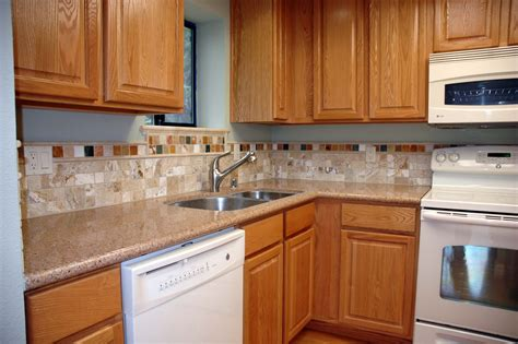 kitchen backsplash with cabinets kitchen backsplash ideas with oak cabinets indelink