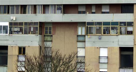 verandare balcone verandare un balcone o un terrazzo e lecito