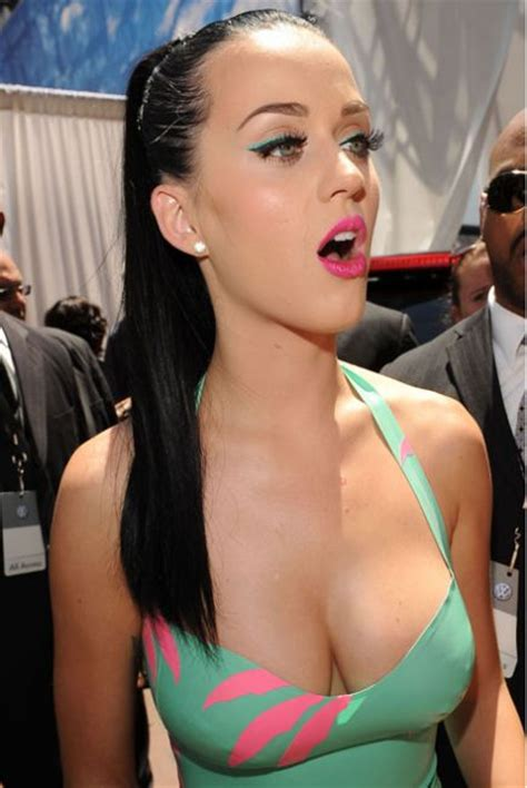katy perry bra size measurements profile biography and katy perry bra size height weight revealed