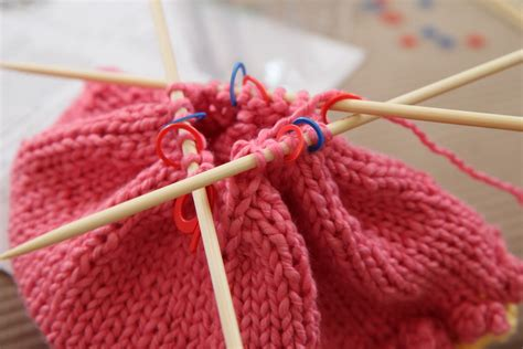 knit in a craftsy dpn pointed needle knitting tutorial