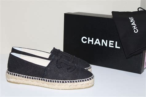 Slip On Shoes Chanel 8819 new chanel black canvas cap toe espadrilles flat cc logo