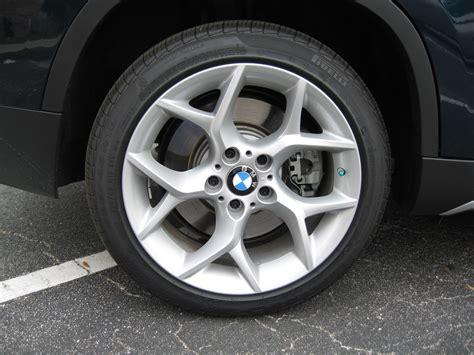 2009 bmw 328i run flat tires f s 18 inch x line wheels and pirelli run flat tires 1k