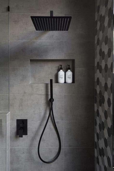 piastrelle grigie oltre 25 fantastiche idee su piastrelle bagno grigie