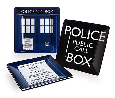 doctor who bathroom set doctor who melamine square plate set thinkgeek