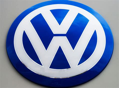 volkswagen germany german prosecutors widen volkswagen emissions probe