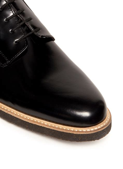 common projects shiny leather derby shoes in black for
