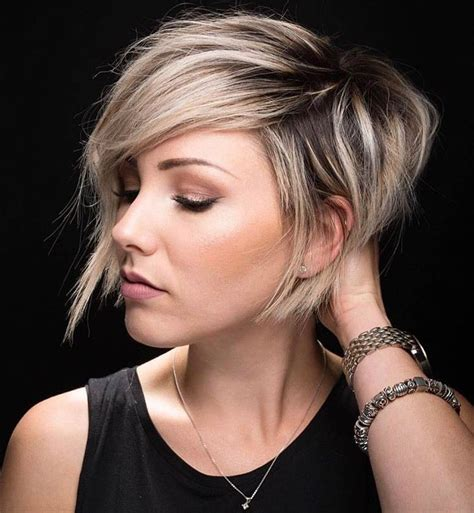 pixie hairstyle with longer sides longer blonde pixie haircut with long side bangs the