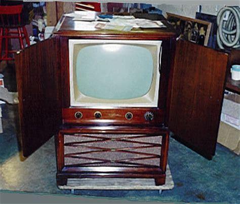 RCA Model 21T227 Console Television (1952)
